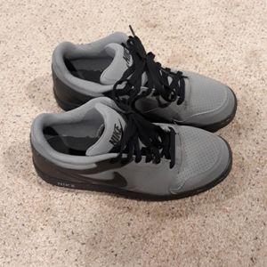 Nike Men's Shoe Excellent Condition Size 9